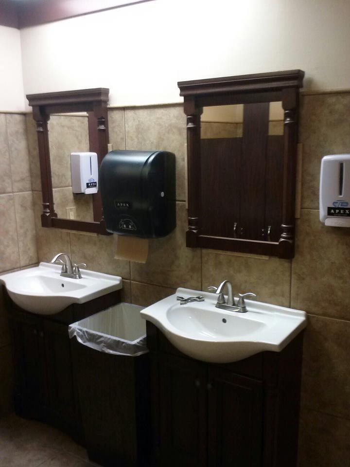 custom-commercial-bathroom-remodel_timberwood-properties