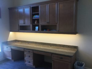 custom-office-spaces_cabinetry_countertops_built-in-desk_timberwood-properties